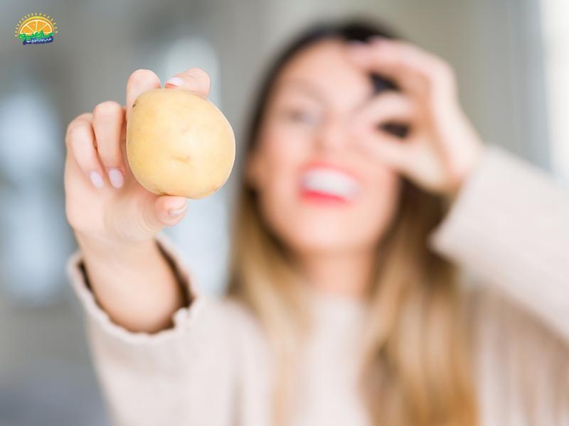 ازبین رفتن چین و چروک پوست و کاهش علائم پیری از خواص سیب زمینی