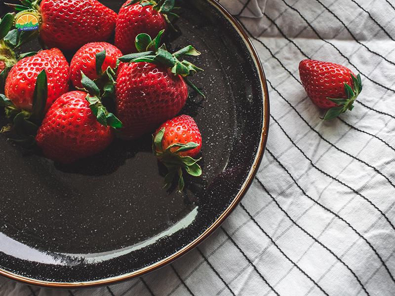 جذب آهن از مزایای توت فرنگی برای رفع کم خونی
